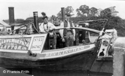 A Steamer And Her Crew c.1900, Stoke Bruerne