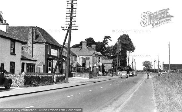 Photo of Stokenchurch, The Oxford Road c.1945