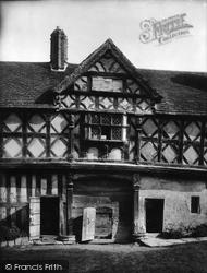 Castle Gatehouse 1924, Stokesay