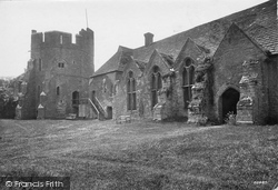 Castle, The Courtyard 1910, Stokesay