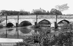 Stone, Walton Bridge 1900