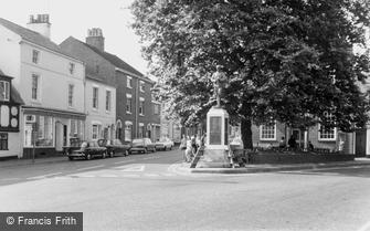 Stone, War Memorial c1965