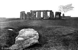 Stonehenge, The Slaughter Stone 1928