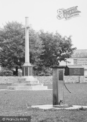 Village Pump And Memorial c.1955, Stonehouse