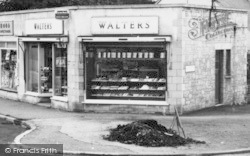 Stonehouse, Walters Bakery, Quietways c.1960