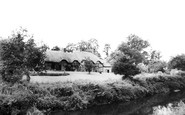 Stoneleigh, Thatched Cottages c1960