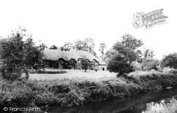 Stoneleigh, Thatched Cottages c.1960
