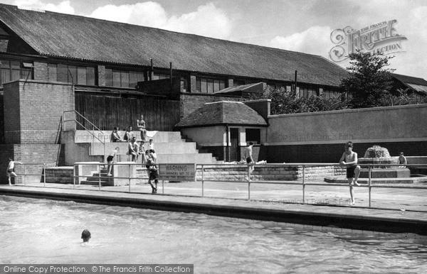 Stourbridge, the Swimming Baths c1955