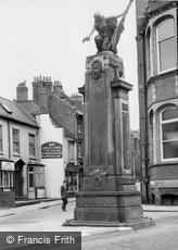 Stourbridge, War Memorial c1965