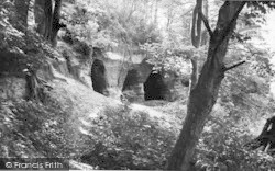 Stourport-on-Severn, Redstone Caves c.1960
