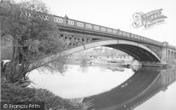 Stourport-on-Severn, The Bridge c.1955