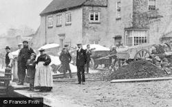 Stourton, Unloading Salt At Stewponey Lock c.1900