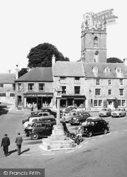 Stow-on-The-Wold, Car Park, The Square 1957