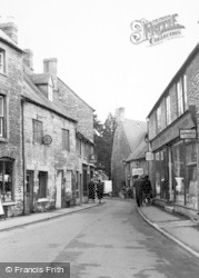 Stow-on-The-Wold, Church Street c.1960