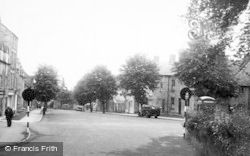 Stow-on-The-Wold, Park Street c.1955
