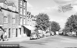 Stow-on-The-Wold, Park Street c.1960