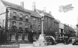 Stow-on-The-Wold, Talbot Hotel c.1950