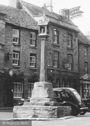 Stow-on-The-Wold, The Cross c.1950