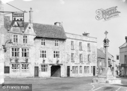 Stow-on-The-Wold, The King's Arms c.1955