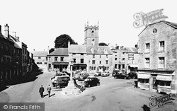 Stow-on-The-Wold, The Square 1957