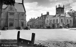 Stow-on-The-Wold, The Square And Stocks 1958
