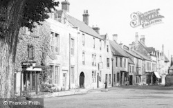 Stow-on-The-Wold, The Square c.1950