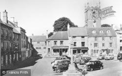 Stow-on-The-Wold, The Square c.1955