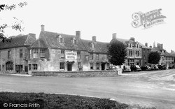 Stow-on-The-Wold, Unicorn Hotel, Sheep Street c.1950