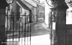 Stow-on-The-Wold, View From The Lych Gate c.1955