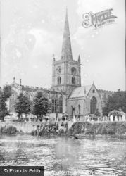 Stratford-Upon-Avon, Collegiate Church From The River c.1955