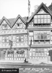 Stratford-Upon-Avon, Harvard House And Garrick Inn c.1955