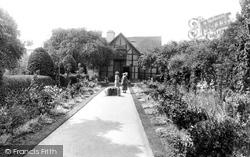 Shakespeare's Garden 1922, Stratford-Upon-Avon