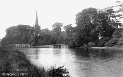 Stratford-Upon-Avon, Trinity Church From The River Avon 1892