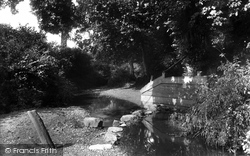 Water Lane 1929, Stratton