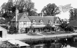 Streatley, The Swan Hotel 1896