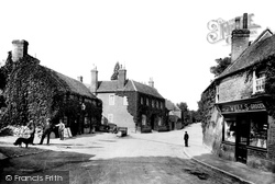 The Village And Bull Hotel 1904, Streatley
