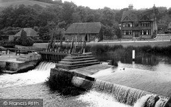 Streatley, The Weir And Old Mill House c.1955