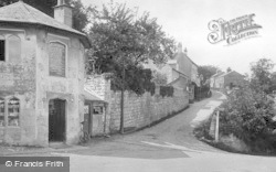 Stroud, Butter Row, Old Pyke House 1925