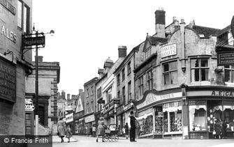 Stroud, High Street c1950
