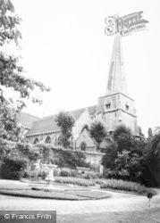 Stroud, St Laurence's Church c.1960
