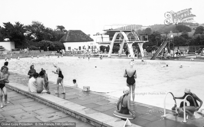Photo of Stroud, Stratford Park, Swimming Pool c.1960