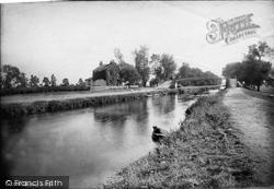 Sunbury, Bridge From The Island 1890