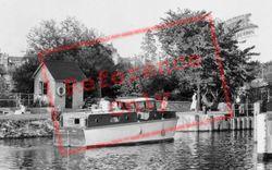 Sunbury, Entering The Lock c.1960