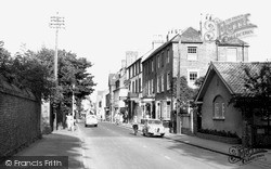 Sunbury, Thames Street And The Magpie Hotel c.1955