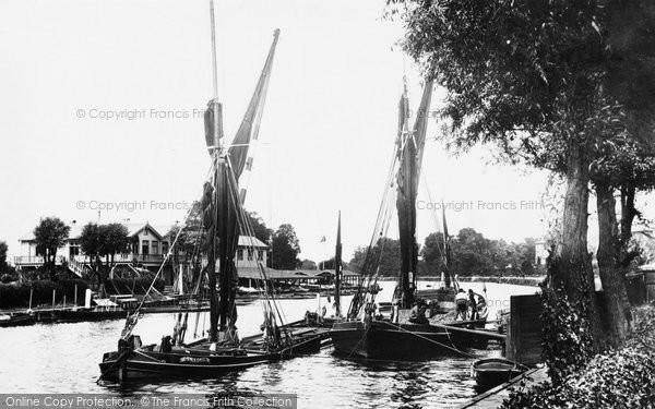 Surbiton, Messenger's Boathouse 1896