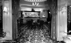 Sutton Coldfield, Penns Hall Hotel, The Interior c.1965