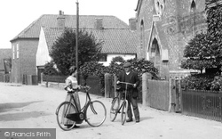 Sutton-on-Trent, Cyclists By The Wesleyan Chapel 1909, Sutton On Trent