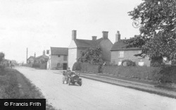 Sutton-on-Trent, Great North Road 1909, Sutton On Trent