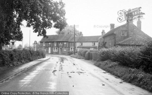 Photo of Sutton Upon Derwent, The St Vincent Arms c.1960