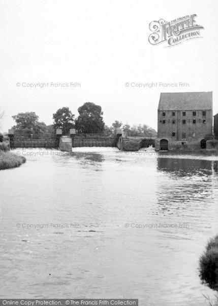 Photo of Sutton Upon Derwent, The Weir c.1960